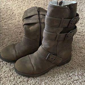 2/$10 Women's Roxy Flat Zipper Boots
